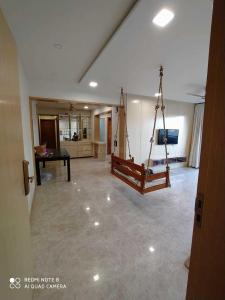 Gallery Cover Image of 5314 Sq.ft 4 BHK Apartment for rent in Vastrapur for 120000