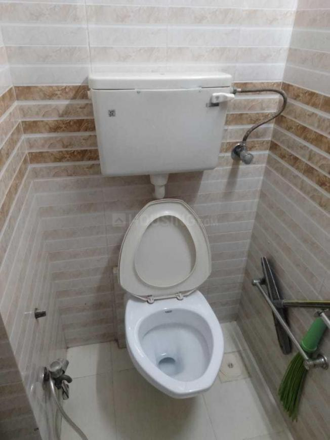 Common Bathroom Image of 2400 Sq.ft 6 BHK Apartment for buy in Andheri West for 62000000