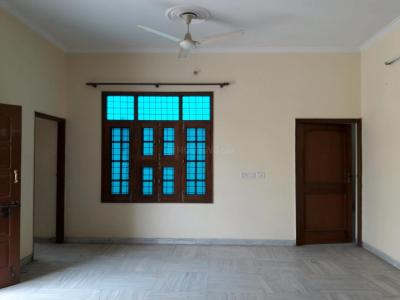Gallery Cover Image of 1850 Sq.ft 3 BHK Independent Floor for rent in Sector 46 for 30000