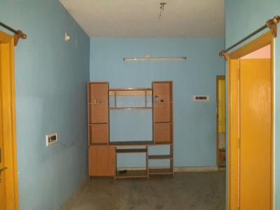 Gallery Cover Image of 700 Sq.ft 2 BHK Apartment for rent in Dum Dum for 7500