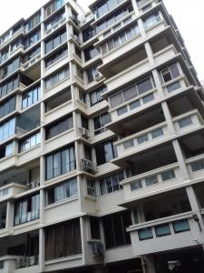 Gallery Cover Image of 1850 Sq.ft 3 BHK Apartment for rent in Juhu for 130000
