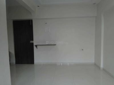 Gallery Cover Image of 400 Sq.ft 1 RK Apartment for rent in Kelipada, Kandivali East for 15000