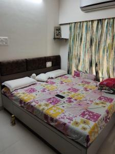 Gallery Cover Image of 500 Sq.ft 1 BHK Apartment for buy in Aditya Eksar Kavita CHS, Borivali West for 9500000