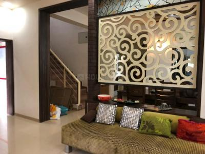 Gallery Cover Image of 2000 Sq.ft 3 BHK Independent House for rent in Shela for 40001