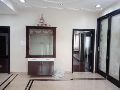 Gallery Cover Image of 2300 Sq.ft 3 BHK Apartment for rent in T Nagar for 70000