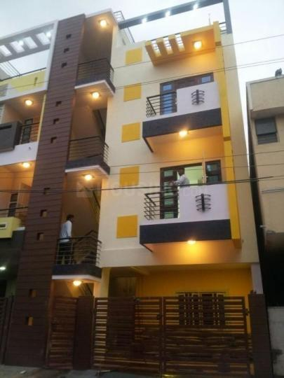Building Image of Mrs Singhs Girls PG in DLF Phase 4