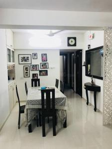 Gallery Cover Image of 1471 Sq.ft 3 BHK Apartment for rent in Ace Falcon, Kasarvadavali, Thane West for 36000