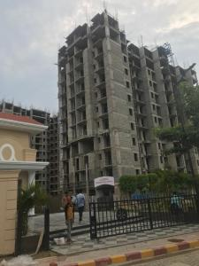 Gallery Cover Image of 1090 Sq.ft 3 BHK Apartment for buy in Oro City, Jankipuram for 4114750