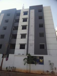 Gallery Cover Image of 1275 Sq.ft 2 BHK Apartment for buy in Chintalakunta for 4812000