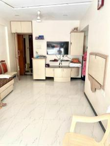 Gallery Cover Image of 565 Sq.ft 1 BHK Apartment for buy in Ashoka Apartment, Colaba for 24500000