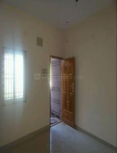 Gallery Cover Image of 800 Sq.ft 2 BHK Apartment for rent in Sriram Flats, Chromepet for 11000
