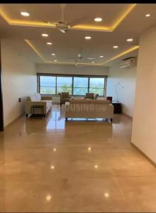 Gallery Cover Image of 1500 Sq.ft 2 BHK Apartment for rent in Cuffe Castle, Cuffe Parade for 180000