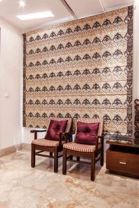 Gallery Cover Image of 5373 Sq.ft 4 BHK Apartment for buy in Goregaon East for 150000000