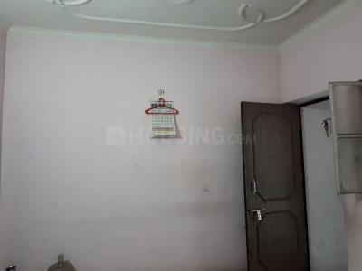Gallery Cover Image of 450 Sq.ft 1 BHK Independent Floor for rent in Sri Niwaspuri for 10000