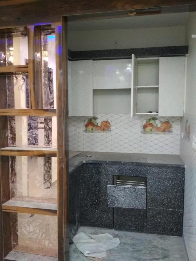 Kitchen Image of 750 Sq.ft 3 BHK Independent Floor for buy in Uttam Nagar for 3200000