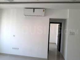 Gallery Cover Image of 1050 Sq.ft 3 BHK Apartment for rent in Lalani Grandeur, Malad East for 50000