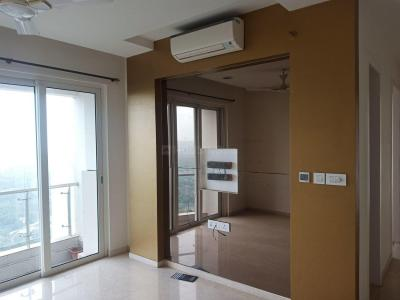 Gallery Cover Image of 1900 Sq.ft 3 BHK Apartment for buy in Goregaon East for 32500000