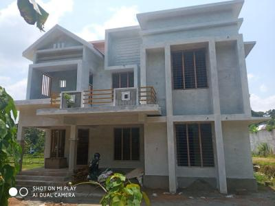 Gallery Cover Image of 1750 Sq.ft 3 BHK Independent House for buy in Eerayil Kadavu for 9000000