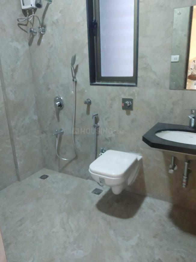 Common Bathroom Image of 1600 Sq.ft 3 BHK Apartment for rent in Santacruz West for 130000