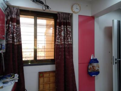 Gallery Cover Image of 900 Sq.ft 3 BHK Apartment for buy in Kandivali West for 30000000