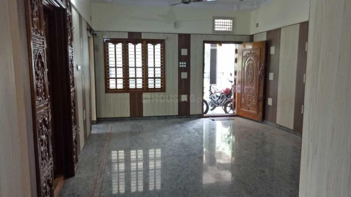 Living Room Image of 2400 Sq.ft 3 BHK Independent House for rent in Electronic City for 16000