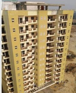 Gallery Cover Image of 1600 Sq.ft 3 BHK Apartment for rent in Vrindavan Yojna for 14000