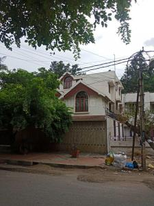 Gallery Cover Image of 6000 Sq.ft 5 BHK Independent House for rent in Koramangala for 200000