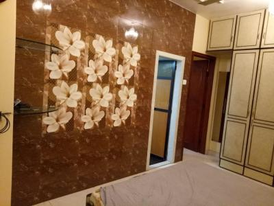 Gallery Cover Image of 600 Sq.ft 1 BHK Apartment for rent in Akhand Abhar CHS, Khar West for 70000