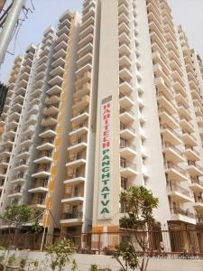 Gallery Cover Image of 1195 Sq.ft 2 BHK Apartment for rent in Noida Extension for 12000