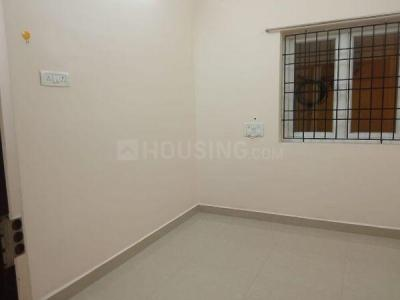 Gallery Cover Image of 600 Sq.ft 1 RK Independent House for rent in Choolaimedu for 10000
