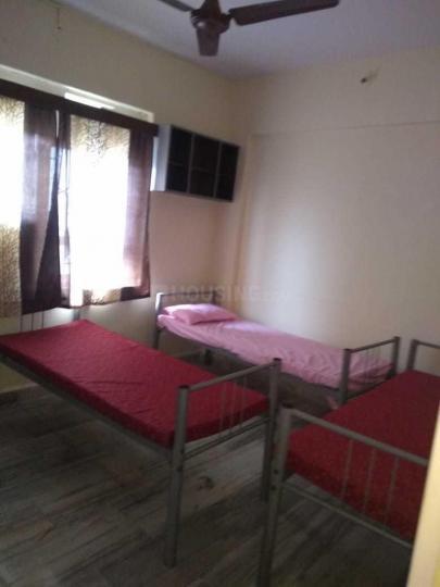 हीरानंदानी इस्टेट में गर्ल्स पीजी में बेडरूम की तस्वीर