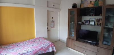 Gallery Cover Image of 480 Sq.ft 1 BHK Independent House for buy in Goregaon East for 7500000