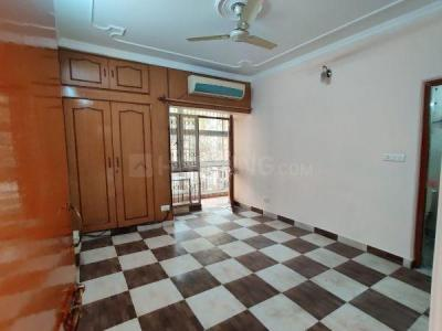 Gallery Cover Image of 1450 Sq.ft 4 BHK Apartment for rent in DDA Flats Sarita Vihar, Sarita Vihar for 35000