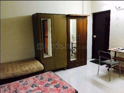 Gallery Cover Image of 300 Sq.ft 1 BHK Apartment for rent in Juhu for 27000