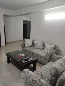 Gallery Cover Image of 2300 Sq.ft 3 BHK Apartment for rent in Sector 135 for 32000
