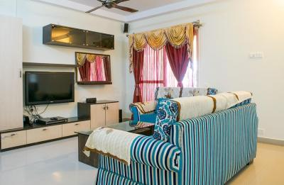 Gallery Cover Image of 1200 Sq.ft 2 BHK Apartment for rent in Mahadevapura for 42200