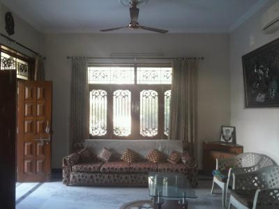 Gallery Cover Image of 9000 Sq.ft 5 BHK Independent House for buy in Eta 1 Greater Noida for 32500000