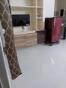 Gallery Cover Image of 1200 Sq.ft 2 BHK Apartment for rent in Madhapur for 26000