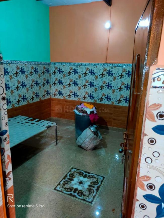 Bedroom Image of 450 Sq.ft 1 BHK Independent House for rent in Bhalswa for 8000