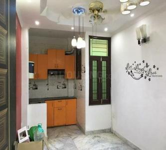 Gallery Cover Image of 650 Sq.ft 2 BHK Independent Floor for rent in Govindpuri for 10000