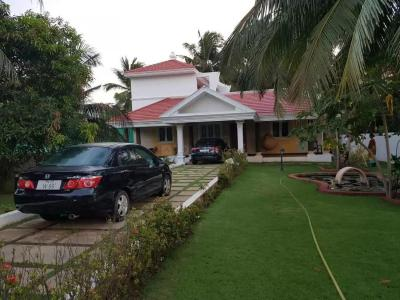 Gallery Cover Image of 3000 Sq.ft 3 BHK Villa for rent in Panaiyur for 60000
