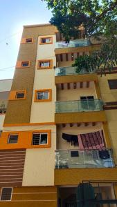Gallery Cover Image of 2000 Sq.ft 5 BHK Independent Floor for buy in JP Nagar for 18000000