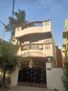 Gallery Cover Image of 4200 Sq.ft 4 BHK Independent House for buy in Shriram Gokul Individual House, Mugalivakkam for 13000000