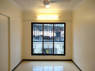 Gallery Cover Image of 500 Sq.ft 1 BHK Apartment for rent in Khar West for 45000