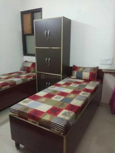 Bedroom Image of Girls PG In Laxmi Nagar in Swasthya Vihar