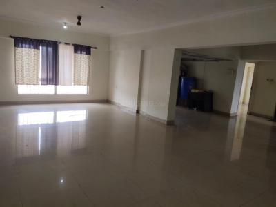 Gallery Cover Image of 1800 Sq.ft 3 BHK Apartment for rent in Crystal Isle 2, Goregaon East for 30000