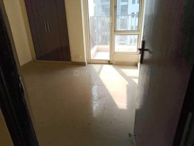 Gallery Cover Image of 1309 Sq.ft 3 BHK Apartment for rent in Noida Extension for 12000