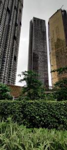 Gallery Cover Image of 2700 Sq.ft 4 BHK Apartment for buy in The world tower, Lower Parel for 95000000