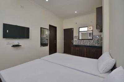 Bedroom Image of Oyo Life Grg1318 Golf Course Rd in Sushant Lok I
