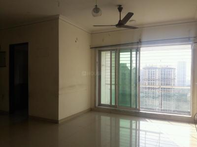 Gallery Cover Image of 1075 Sq.ft 2 BHK Apartment for rent in Kandivali East for 35000